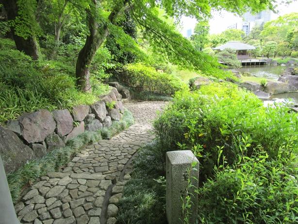 紅葉山庭園 玉石の道